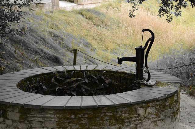 Schwengelpumpe die günstige Brauchwasserquelle